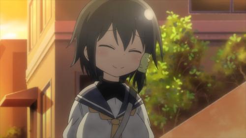 Komori-san wa Kotowarenai / Episode 1 / Komori chatting with Megumi and Masako