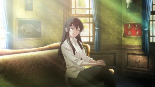 Sakurako-san no Ashimoto ni wa Shitai ga Umatteiru / Episode 9 / Sakurako sits in sunlight after speaking with Shoutarou and his grandmother
